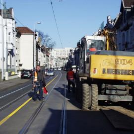 Mitarbeiter für Baustellensicherung der BaSiS GmbH aus Essen bei der Arbeit